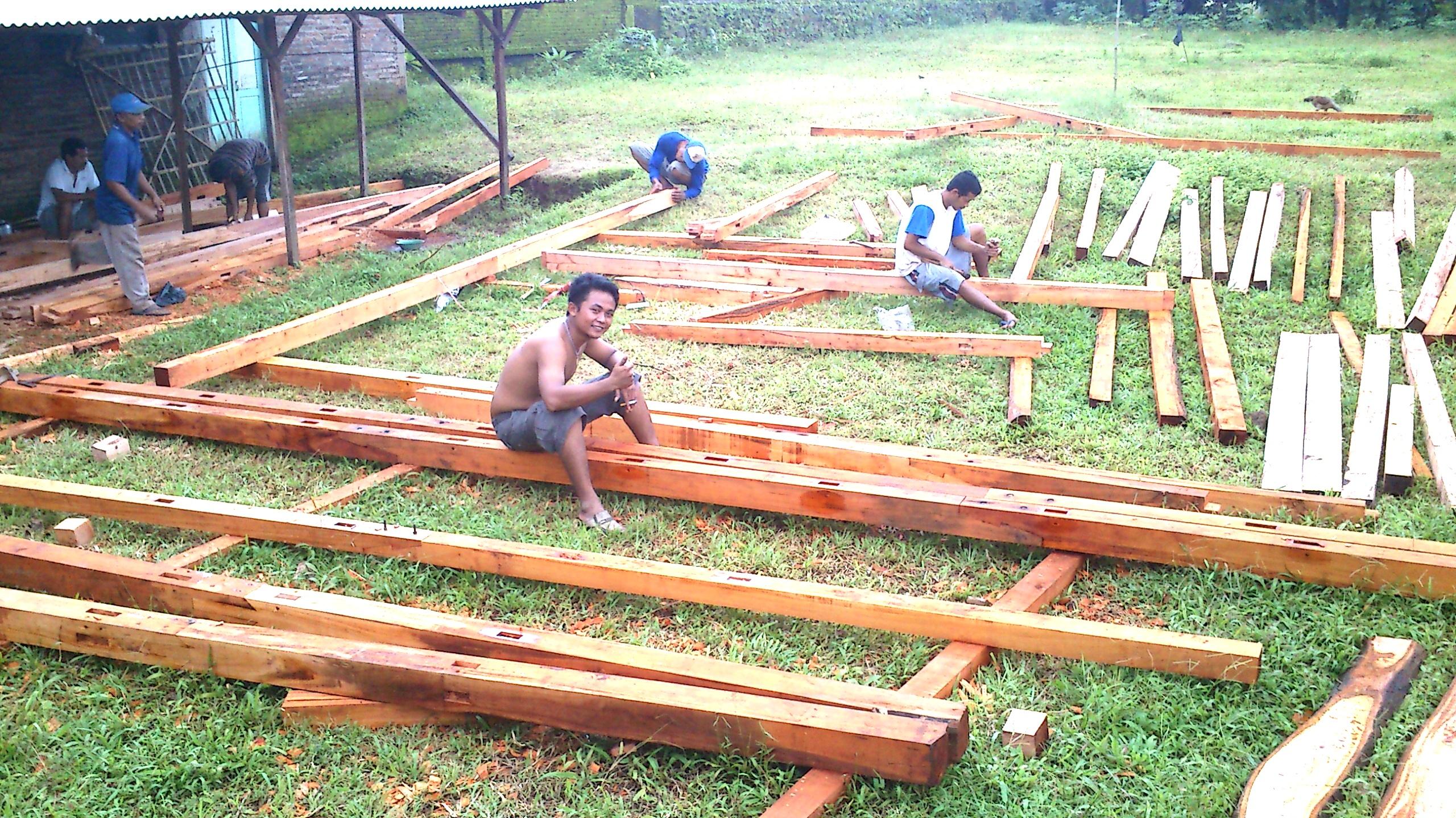 rangka rumah kayu