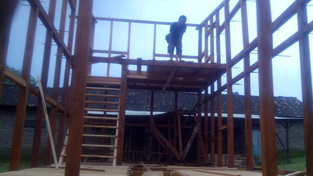 pembuat villa rumah kayu