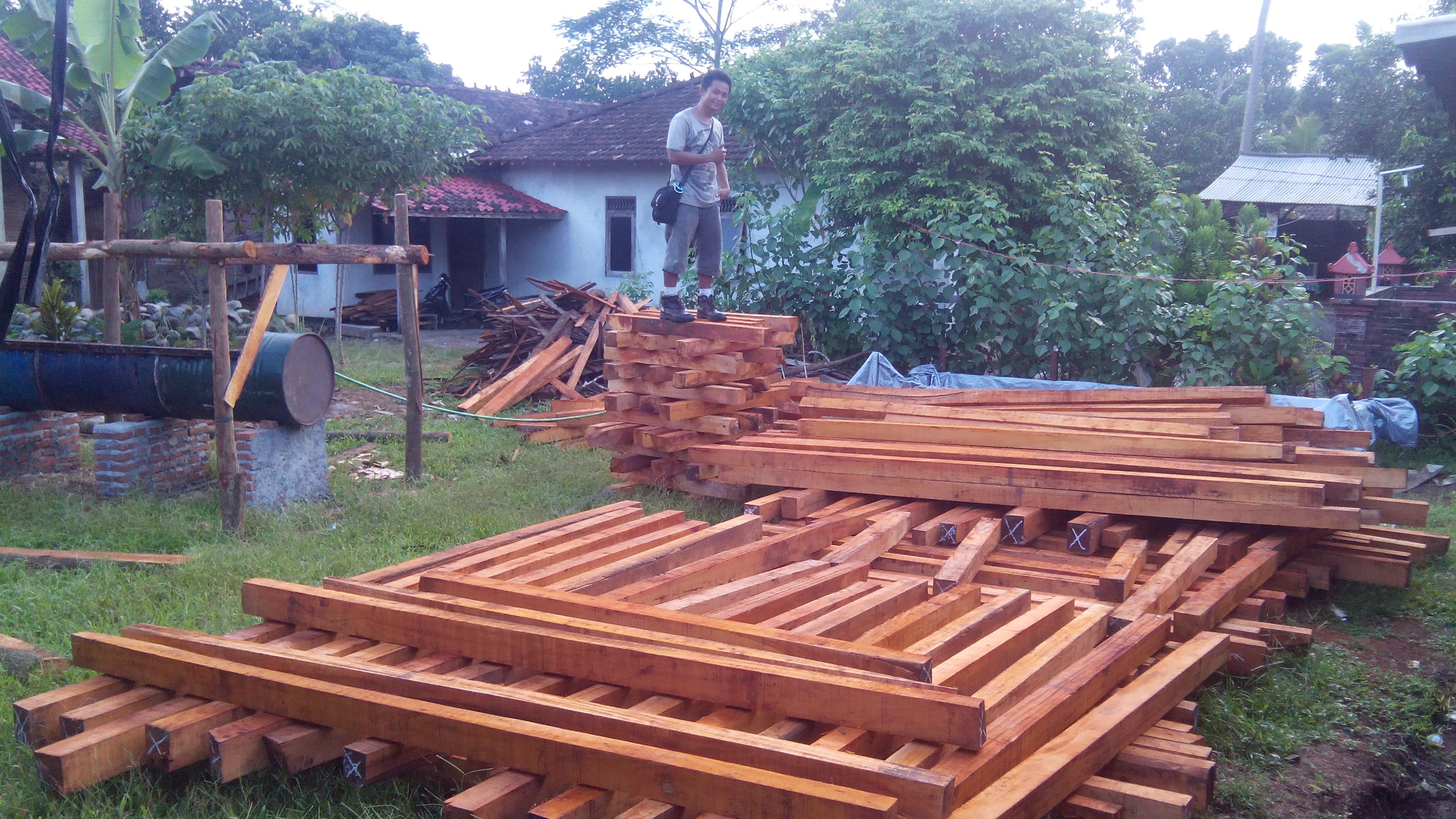 bahan kayu balok untuk pembuatan rumah kayu