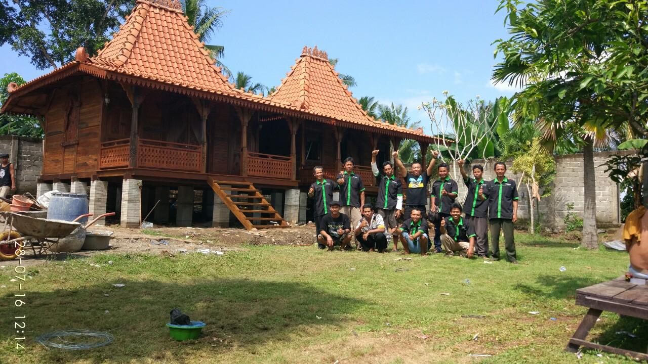 Jual rumah kayu di banyuwangi, jual rumah kayu di surabaya, joglo 66 Pak Tri Dwi Hantoro Banyuwangi