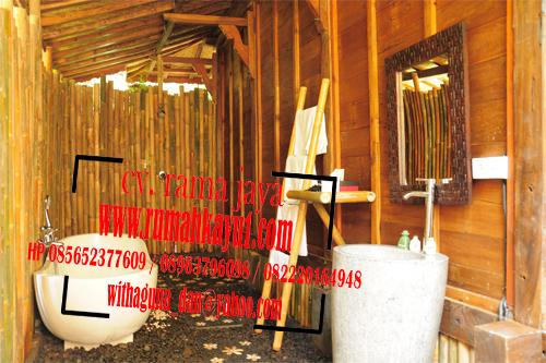 kamar mandi rumah kayu