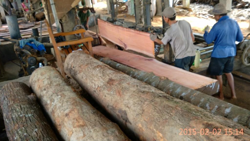 cara membuat rumah kayu