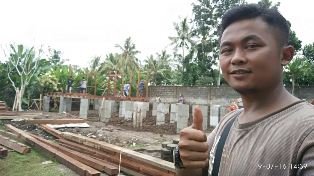tukang rumah kayu di Malang