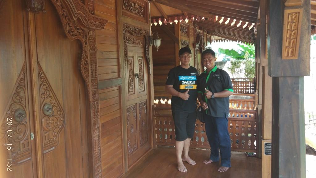 Tri Dwi Hantoro banyuwangi, rumah kayu di banyuwangi, rumah kayu di surabaya