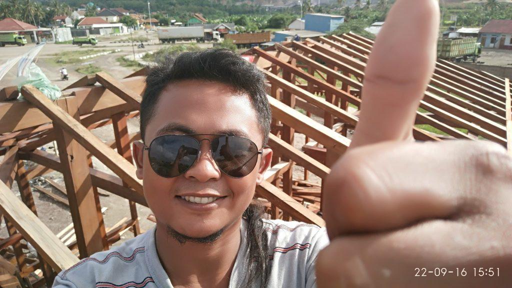 pembuatan rangka atap rumah kayu