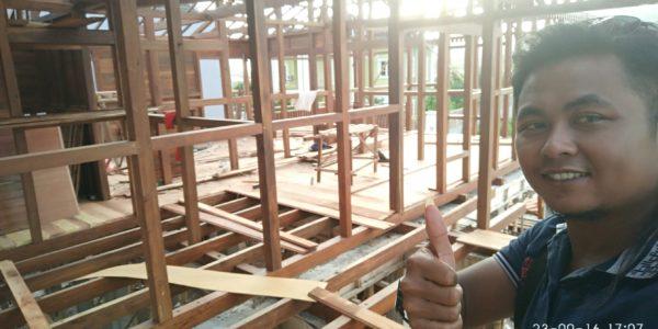 pembuat rumah kayu profesional