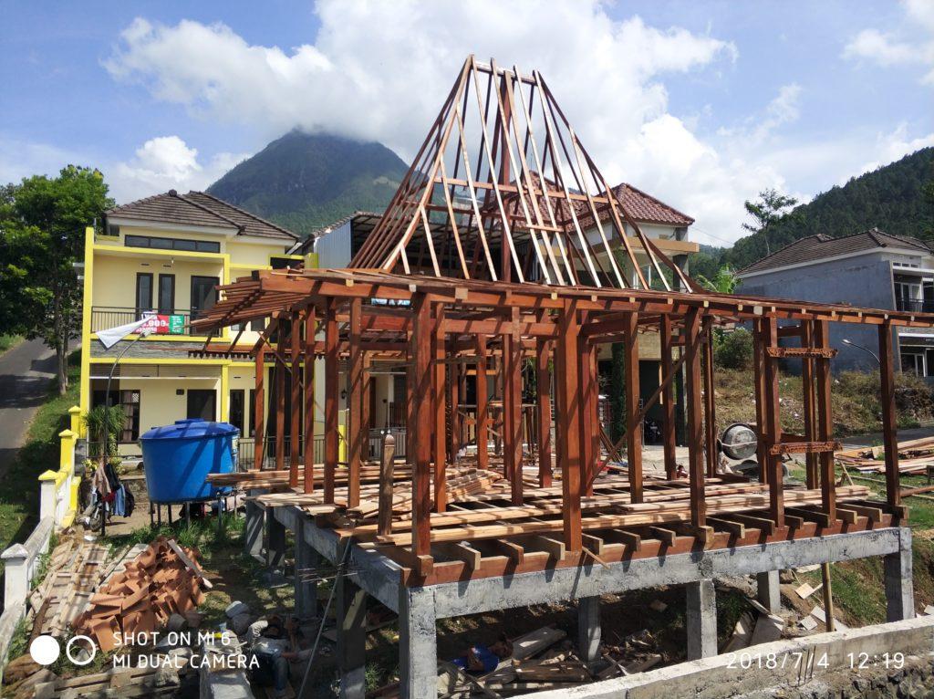 tukang rumah kayu di banyuwangi, pembuat rumah kayu di jawa timur, pembuat rumah kayu di surabaya
