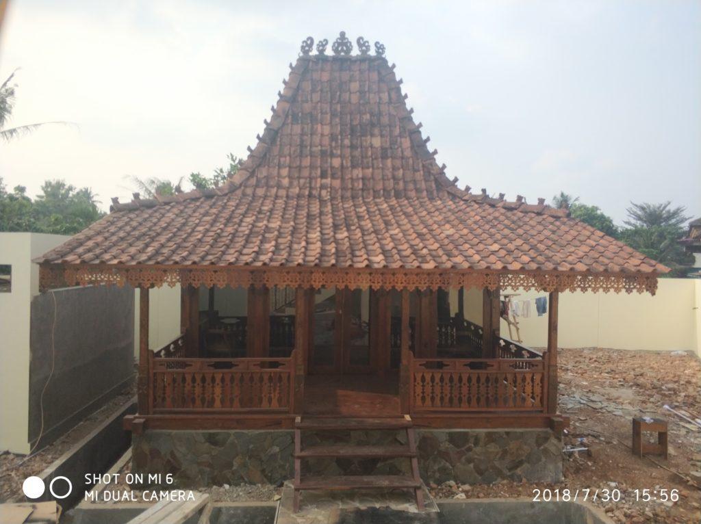 rumah kayu bekas