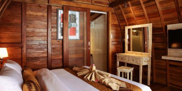 kamar rumah lumbung, kamar jineng, rumah kayu lumbung